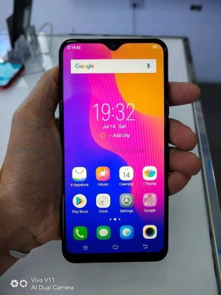 vivo Y95 front and back