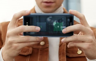 Games could benefit from the extra screen