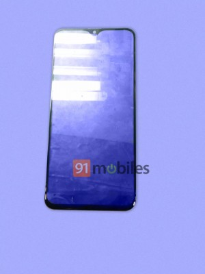 (Allegedly) Samsung Galaxy M20's screen glass with a teardrop notch