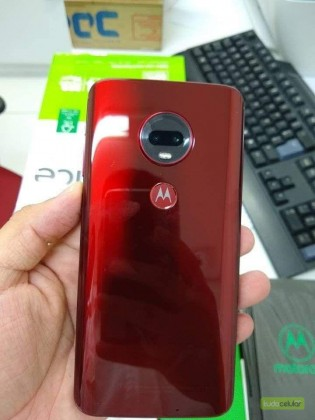 Moto G7 Plus fresh out of the box