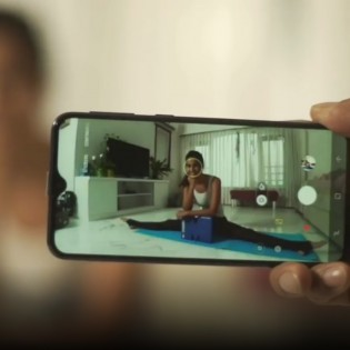 Samsung Galaxy M: normal and ultra-wide angle camera