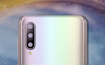Samsung Galaxy A50 in Prism White photographed in the wild
