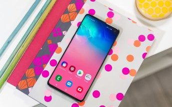 Galaxy S10 ships with pre-applied screen protector that has a three-month warranty