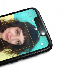 Moto G7 Play with 8MP selfie camera with LED flash