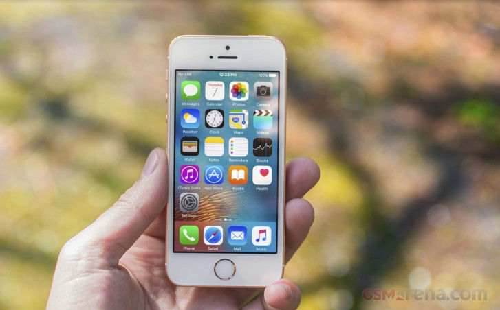 iPhone SE on clearance at Apple's website starting at $249 in the US - GSMArena.com news