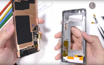 Samsung Galaxy S10 teardown reveals the ultrasonic FP reader, a beefy heat pipe