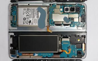 Samsung Galaxy Fold disassembled, giving us a look at the hinge and the main screen