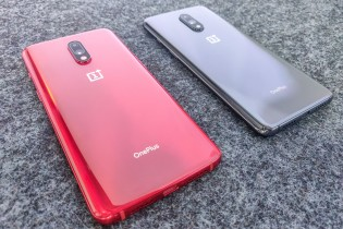 OnePlus 7 - Red color and Case