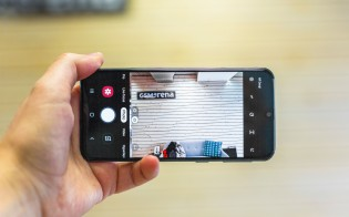 Samsung Galaxy A40's two cameras in action