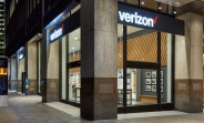 Verizon lowers its fee to $20 for online activations