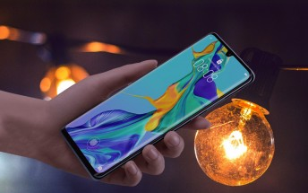 Huawei P30 and P30 Pro update enables DC dimming