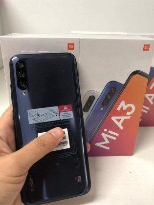 Live images of Xiaomi Mi A3 and its retail box confirm specs
