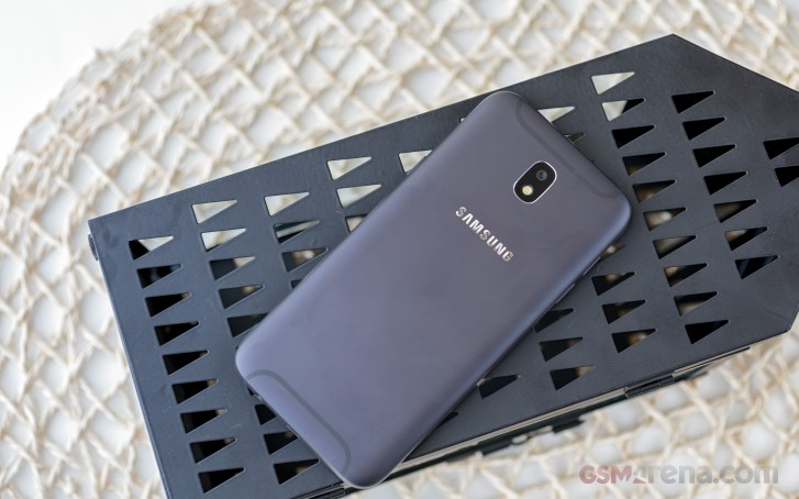 Samsung Galaxy J5 (2017) is now receiving the Android 9 Pie update with One UI