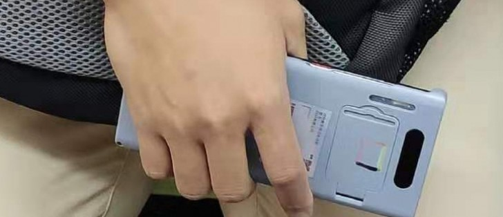 Another Mate 30 Pro spy shot reveals waterfall screen
