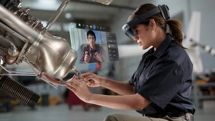 HoloLens 2 features a wider FoV, more processing power and better hand/eye tracking