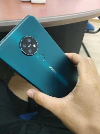 Nokia 7.2 in Cyan