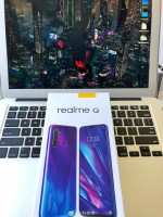 Realme Q hands-on pics
