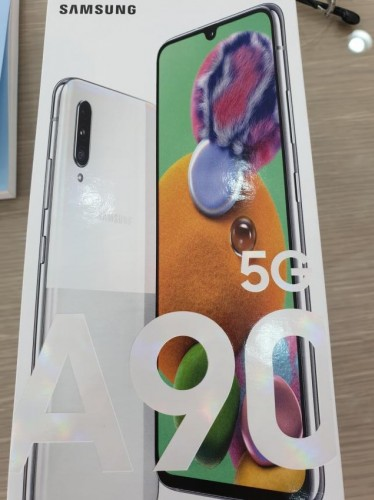 Samsung Galaxy A90 5G retail box