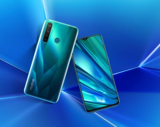 Realme 5 Pro in Crystal Green