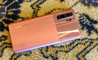 Huawei P30 Pro in Misty Lavender