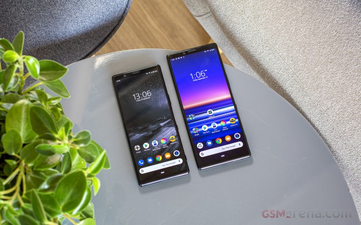 Xperia 5 (on the left) and Xperia 1 (on the right)