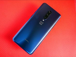 OnePlus 8 renders suggest hole-punch selfie cam; wireless charging rumored