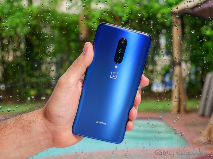 OnePlus 7 and 7 Pro are receiving OxygenOS 10.0.1 update based on Android 10
