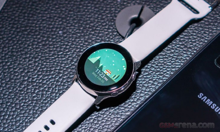 Latest Samsung Galaxy Watch Active2 update enables touch bezel by default