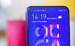 Huawei nova 5T display