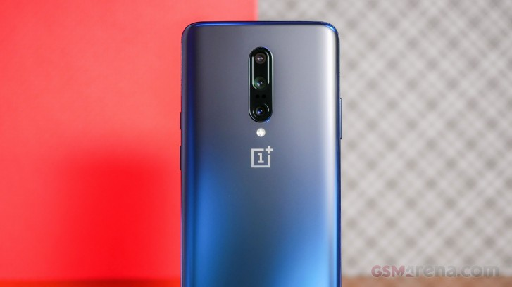 OnePlus 8 Pro Hands-On Photo Leak Shows Quad Rear Cameras, Familiar Design