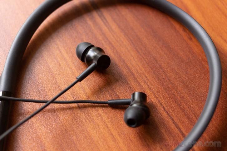 Realme Buds Wireless Vs Mi Neckband Bluetooth Earphones Gsmarena Com News