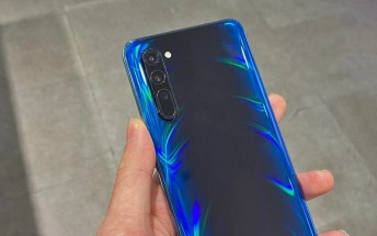 Oppo Reno3 photographed in the wild, runs Android 10 on a MediaTek 5G chipset