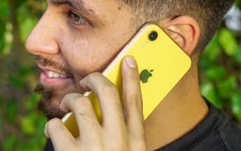Apple acknowledges iPhone XR connectivity problems in the UK