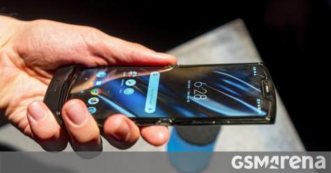 Motorola reminds you the Razr screen is fragile, shows its cool features in new videos - GSMArena.com news - GSMArena.com