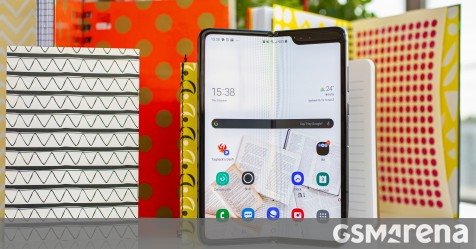 Android 10 and One UI 2.1 hit Samsung Galaxy Fold 5G as well thumbnail