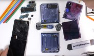 Samsung Galaxy Z Flip teardown finds the glass beneath a protective plastic layer