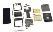 Motorola Razr teardown finds it practically impossible to repair