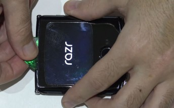 Motorola Razr fully torn down on video, virtually impossible to repair