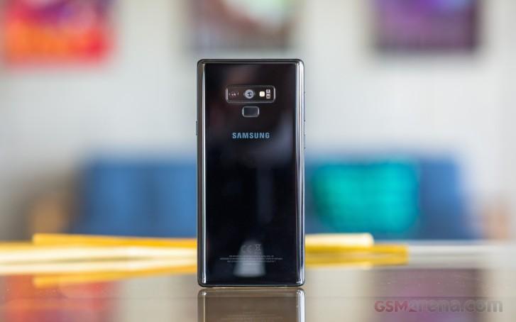 تقدم T-Mobile تحديث Android 10 لنظامي Galaxy S9 و Note9