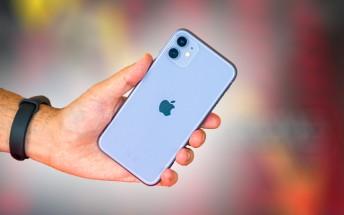 Smartphone sales in China decline 45 percent in February