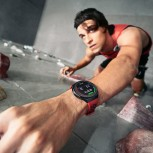 The Huawei Watch GT2e can track a variety of exercises and it isn't afraid of the water