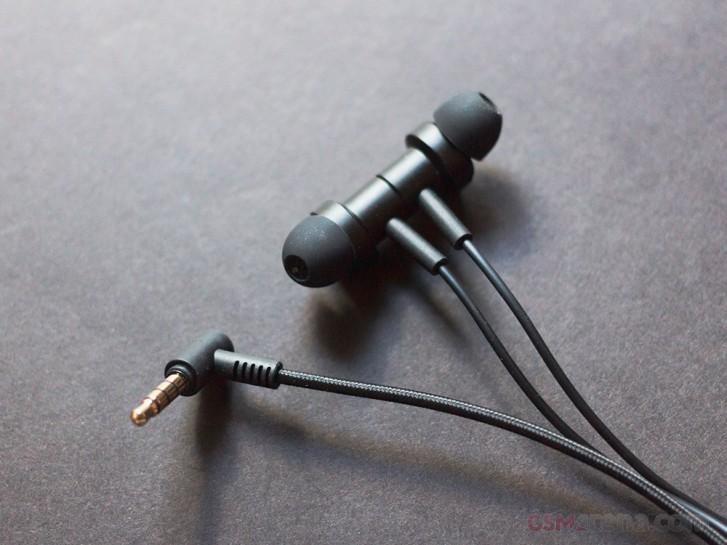 استعراض سماعات Mi Dual Driver داخل الأذن