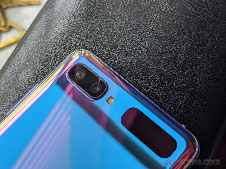 My adventure getting the Galaxy Z Flip's cracked camera replaced