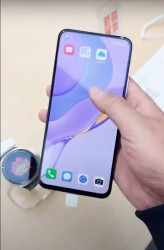 Huawei nova 7 5G: flat OLED screen, single selfie cam