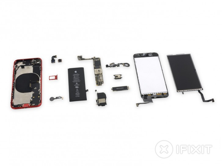 يكشف تفكيك iPhone SE الشامل عن الكثير من قطع iPhone 8