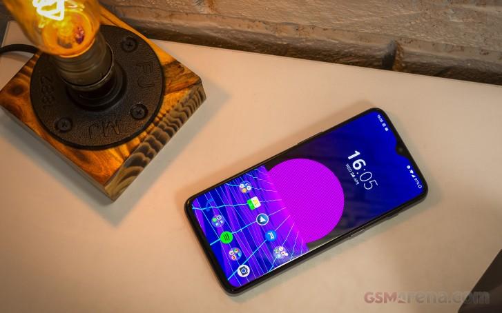 صفقة: يمكن أن يكون OnePlus 6T لك مقابل 299.99 دولارًا فقط