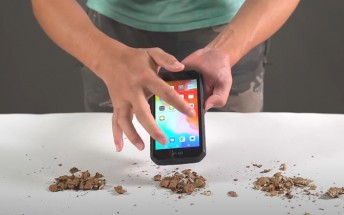 Ulefone Armor X7 gets hammered and knifed in video display durability test