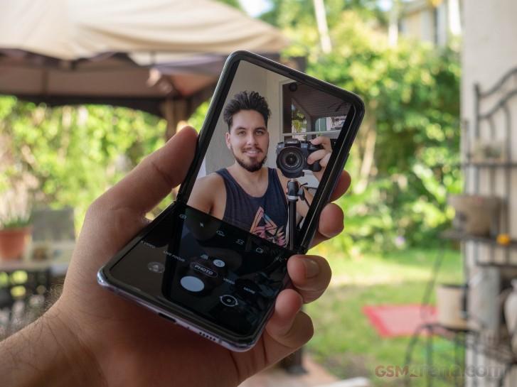 Samsung Galaxy Z Flip update improves Flex Mode for the camera