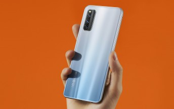 iQOO Z1 5G appears in official renders, design and color options revealed