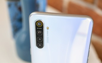 Realme XT updated to April security patch with DocVault ID and optimized audio quality